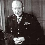 Général Dwight Eisenhower, Commandant suprême des armées
