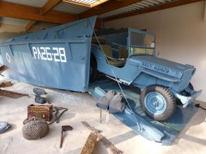 Barge LCVP Jeep